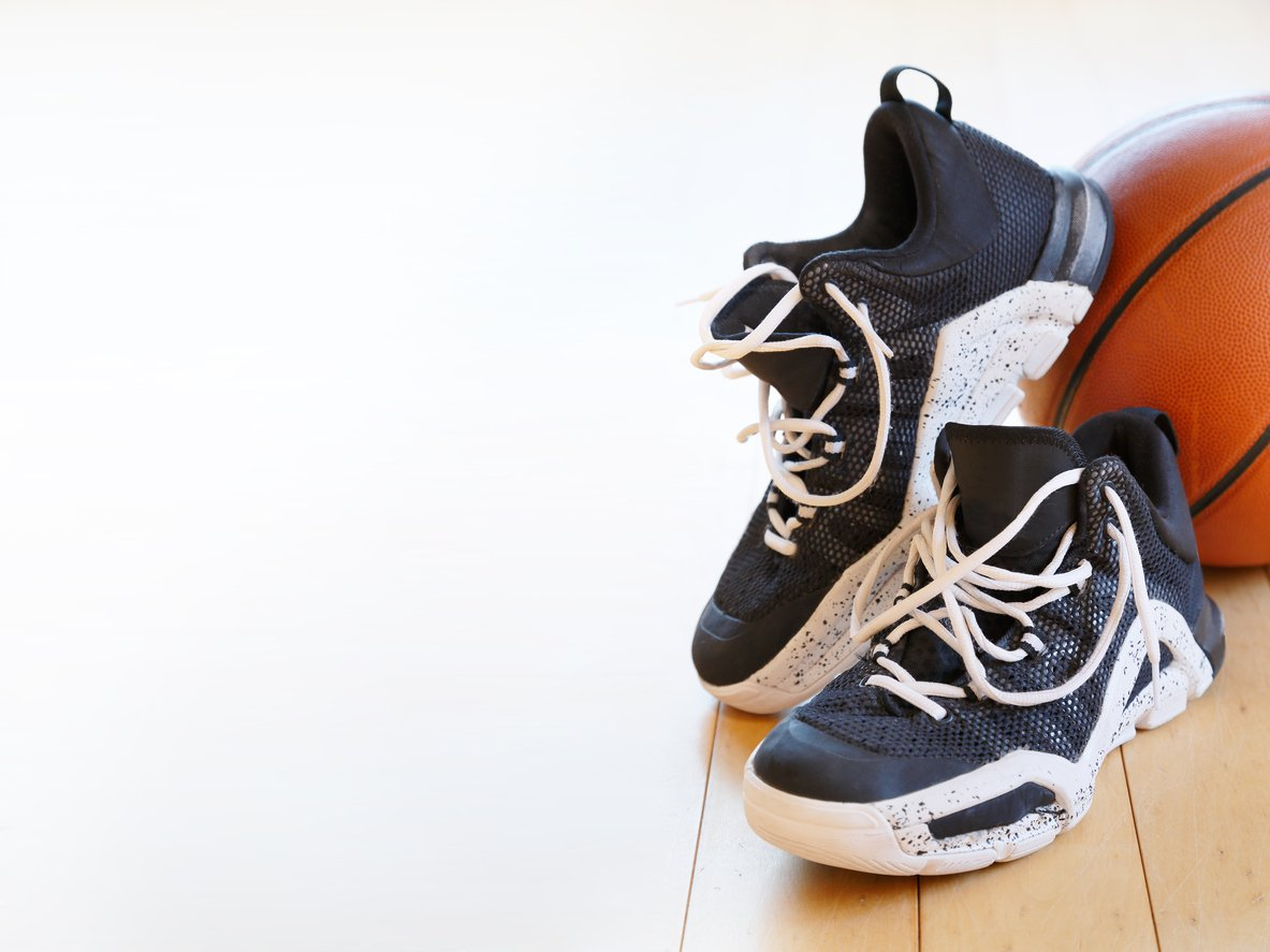 best basketball shoes for flat feet